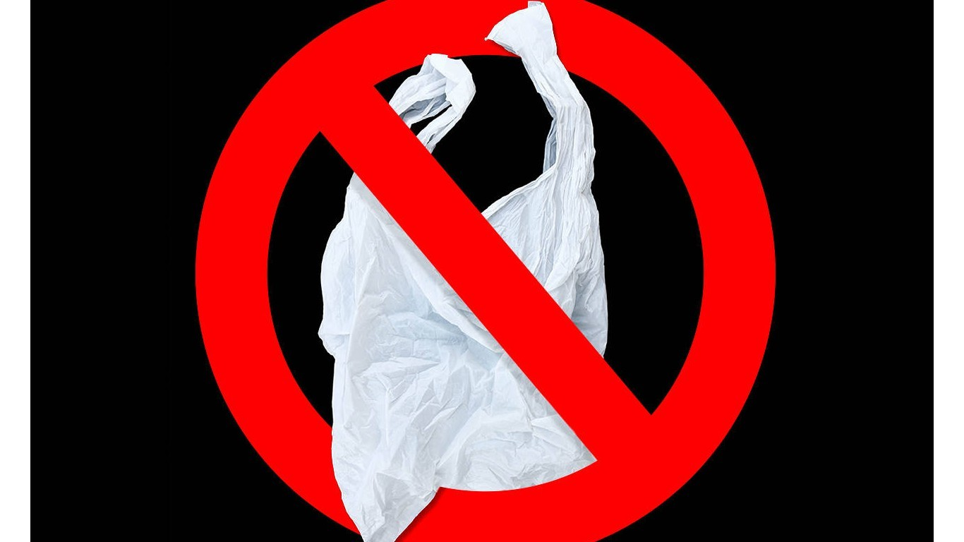 Plastic bags must be banned in Germany without delay!